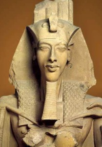 akhenaten face-on